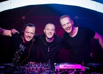 Группе Swanky Tunes вручили награду DJ Mag