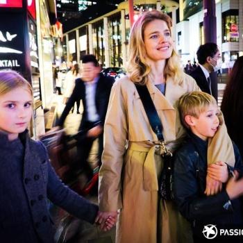 Наталья Водянова на отдыхе с детьми