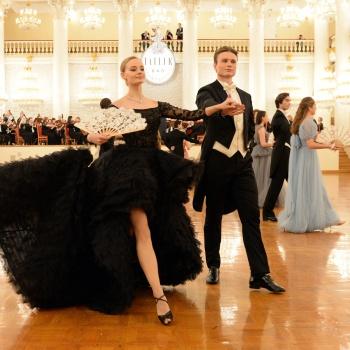 Стеша Маликова, Александра Жулина, Устинья Малинина и другие на на балу дебютанток Tatler