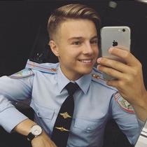 Питерского «лейтенанта-милашку» уволили из полиции