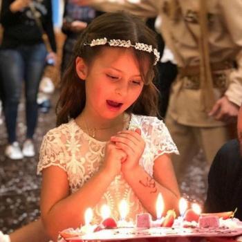 Виктория Боня и Алекс Смерфит воссоединились ради дочери