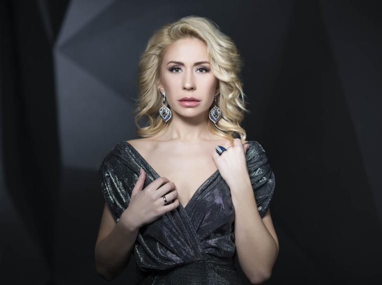Анастасия Гребенкина стала детективом