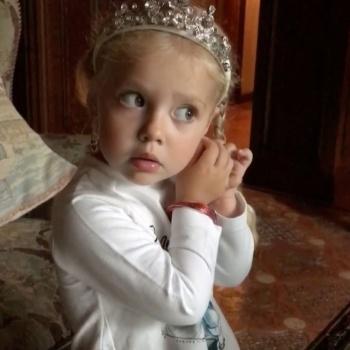 Дочь Пугачевой трогательно спела песенку про Пасху