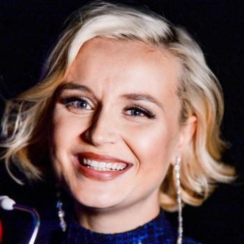 Полина Гагарина забыла текст песни во время концерта