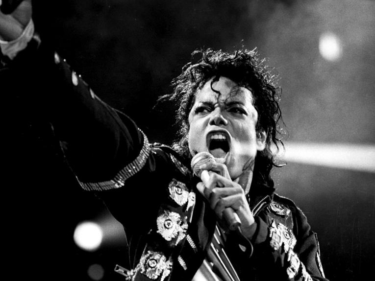 Шок! Три песни Майкла Джексона назвали подделкой